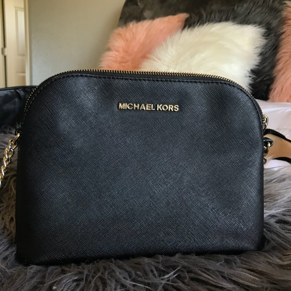 462bfada6970 Michael Kors Bags | Mk Cindy Large Saffiano Leather Crossbody | Poshmark